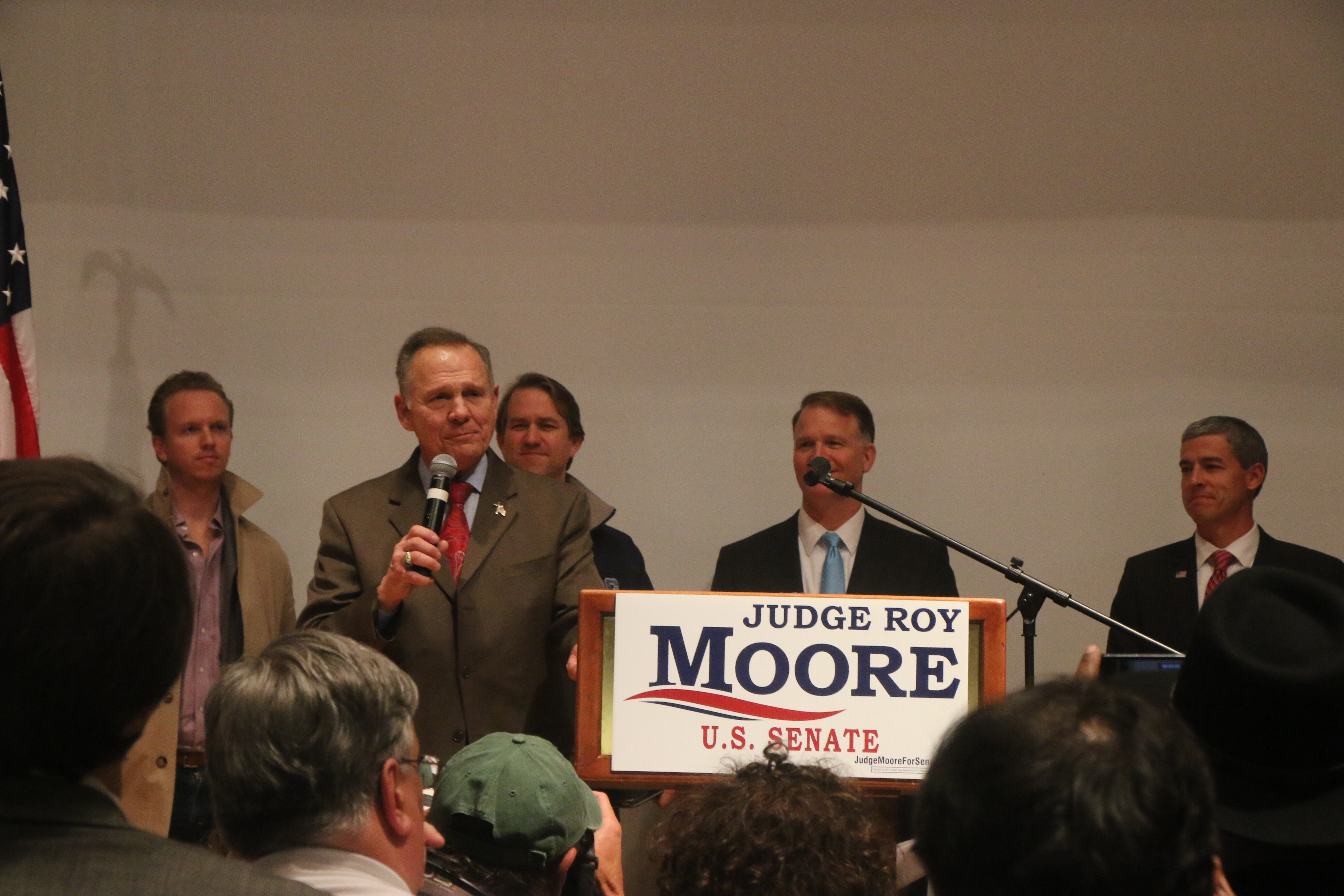 Democrat Doug Jones beats Roy Moore in Alabama Special Senate Election